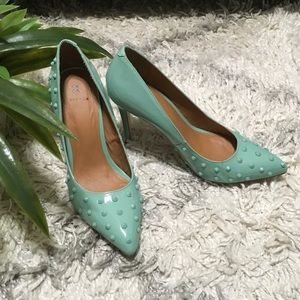 Cool mint green pumps size 9